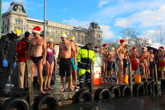 Samichlaus Swim in Zurich