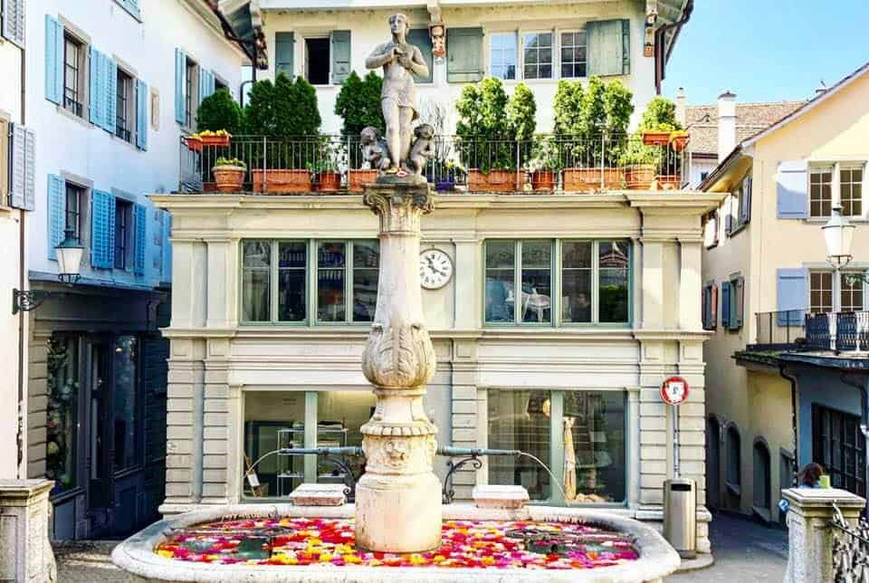 Free water in Zurich - the 1200 Fountains