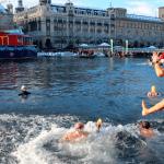 Samichlaus Swim in the Limmat in Zurich – brrr!!!!