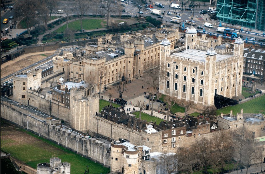 View of the Tower of London from the Shard ©Newinzurich.com