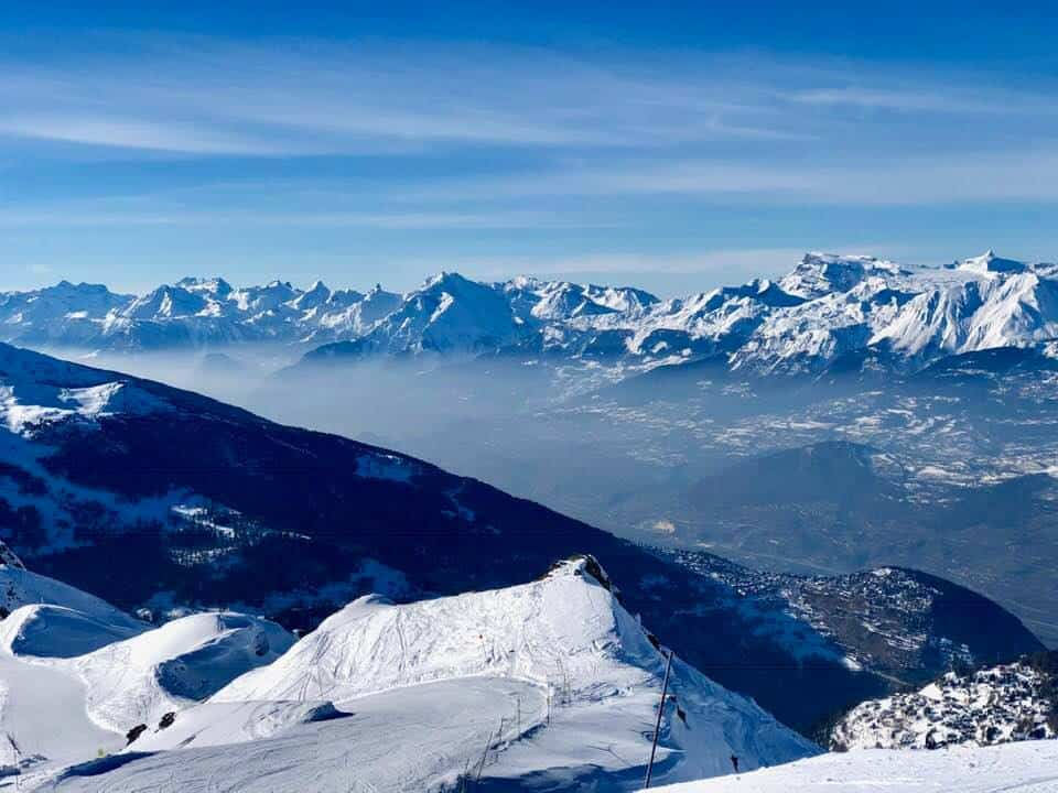 Skiing St-Luc Chandolin Val d'Anniviers Switzerland