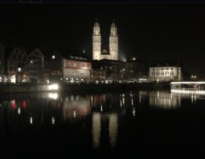 Zurich by night ©NewInZurich