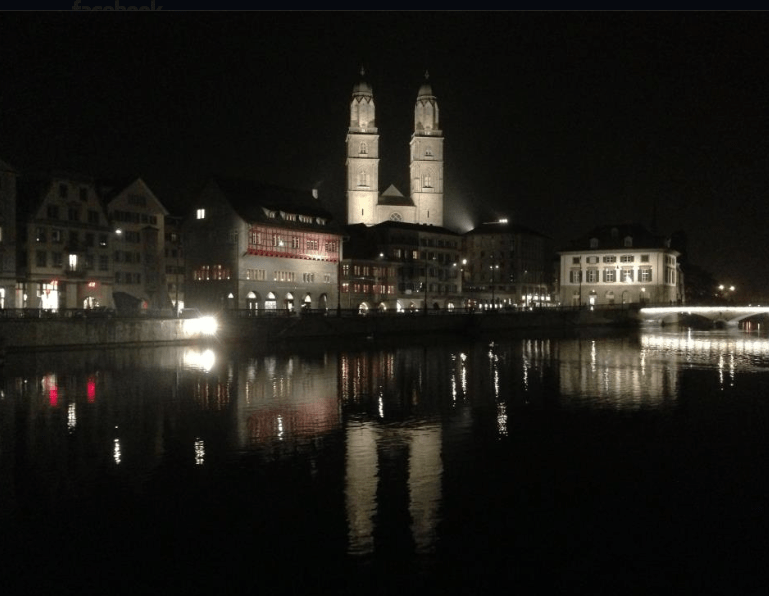 Zurich by night ©NewInZurich