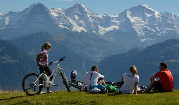 Hiking in Switzerland © MySwitzerland