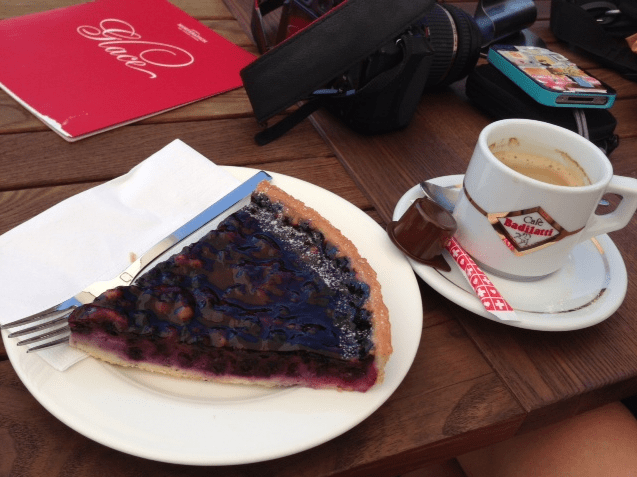 Coffee and tart