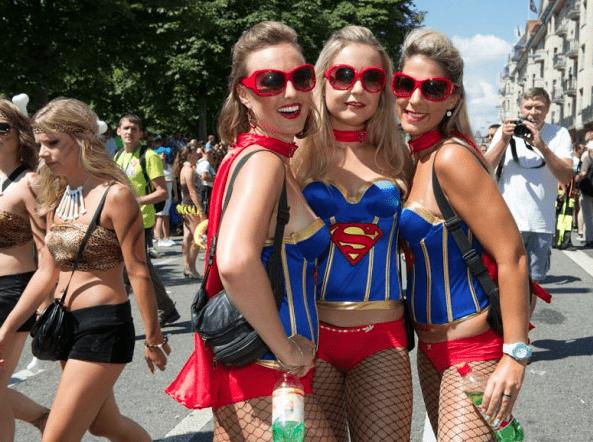 Street Parade photos © Geoff Pegler