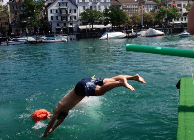 Limmatschwimmen Zurich 2013 ©NewInZurich.com