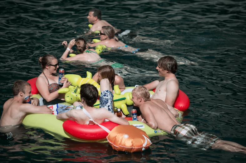 Limmatschwimmen Zurich 2013 ©Geoff Pegler