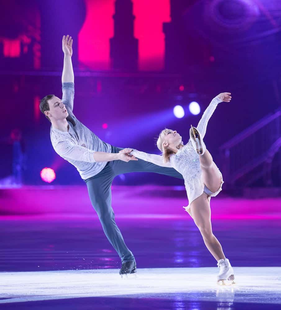 Aljona Savchenko & Bruno Massot Art On Ice