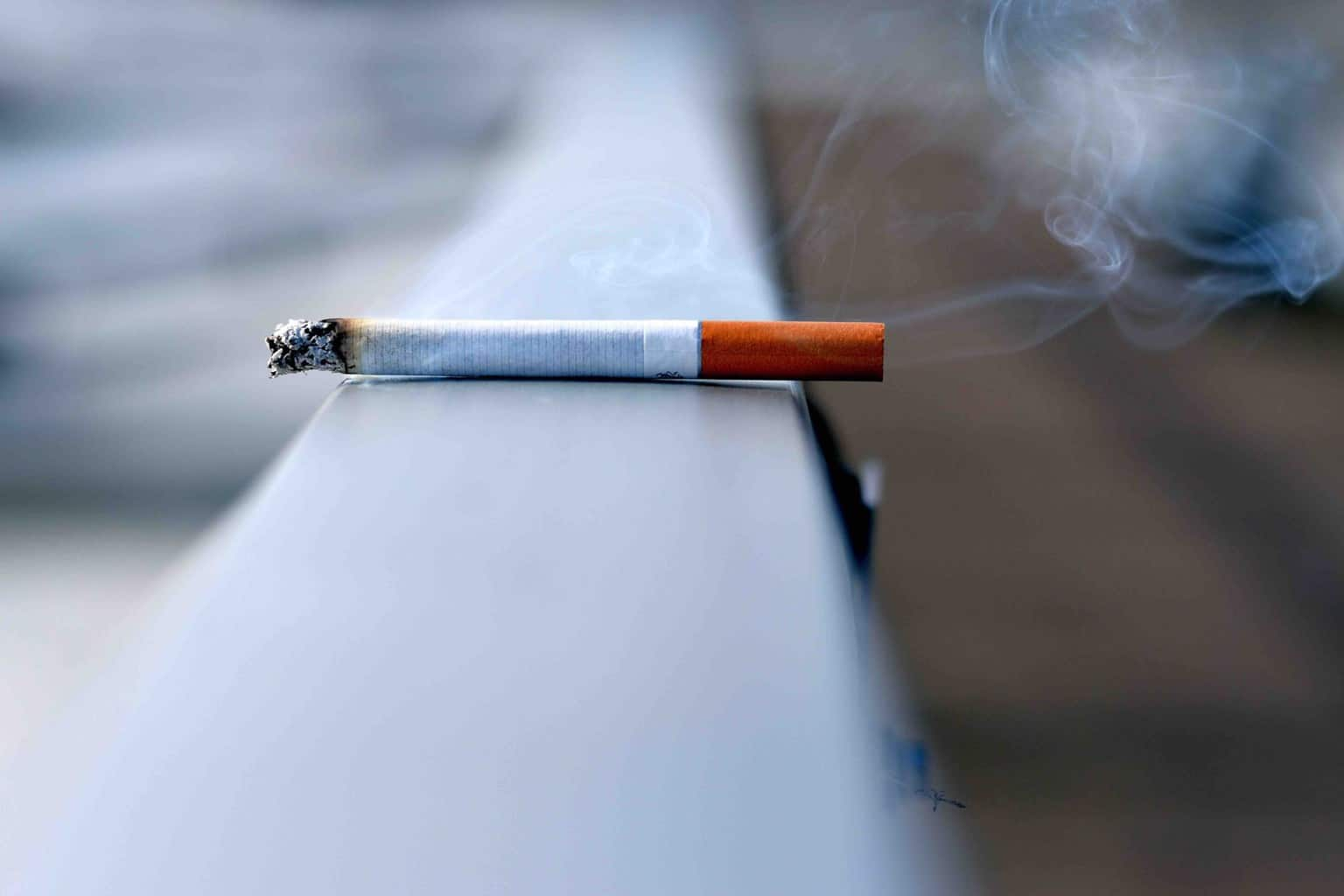 Switzerland Bans Smoking on Railway Platfors