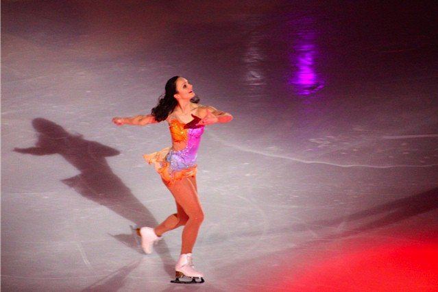 Sarah Meier Art on Ice 2015
