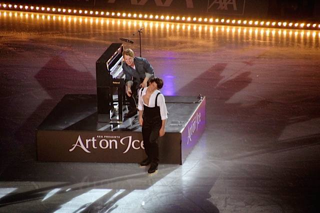 dell and stephane lambiel art on ice 2015
