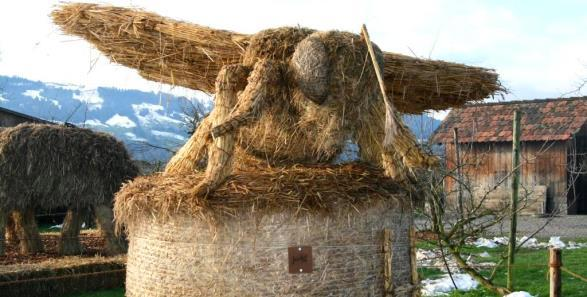 Discover the World of Straw at the Bächlihof Jucker Farm