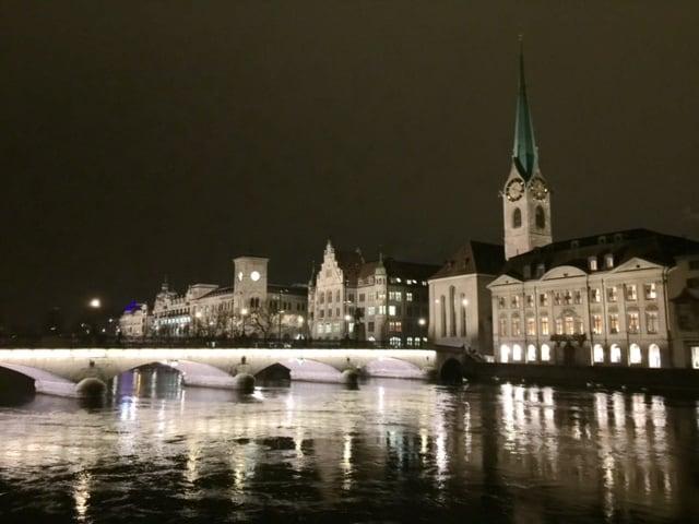 Zurich by night © newinzurich.com