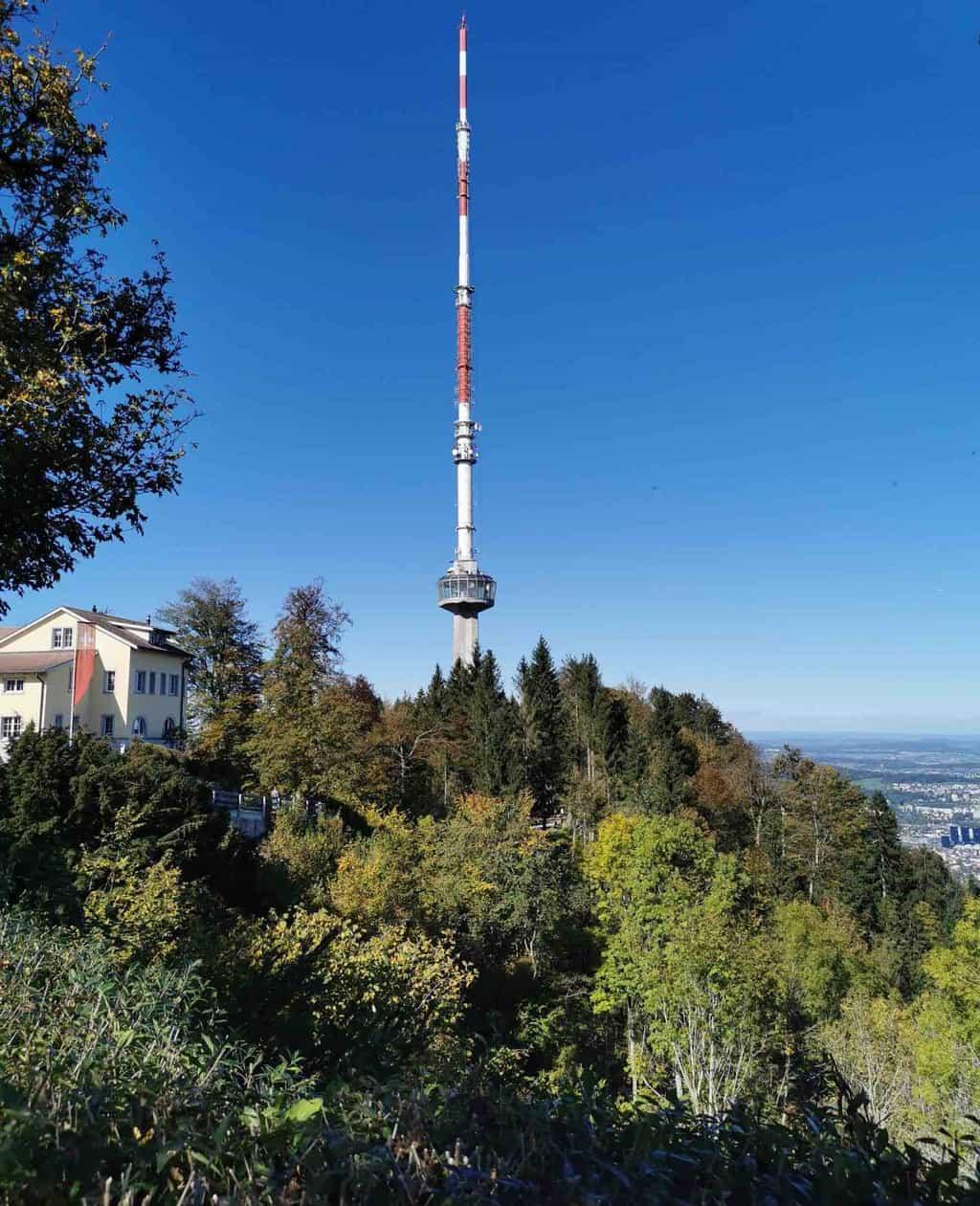 Hiking in Zurich from Uetliberg along the Felsenegg Ridge