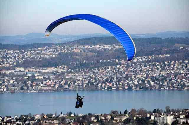 paragliding off the Uetliberg