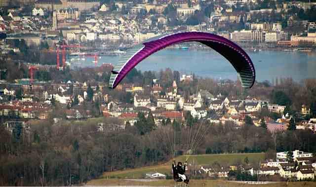 paragliding off uetliberg