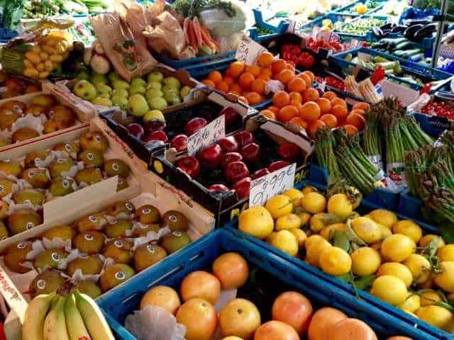 Chatelain Market
