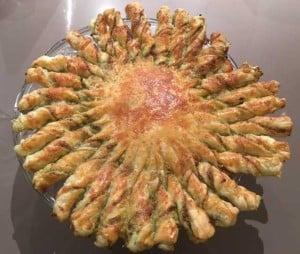 Partyfood - Pesto Puff Pastry Sunwheel