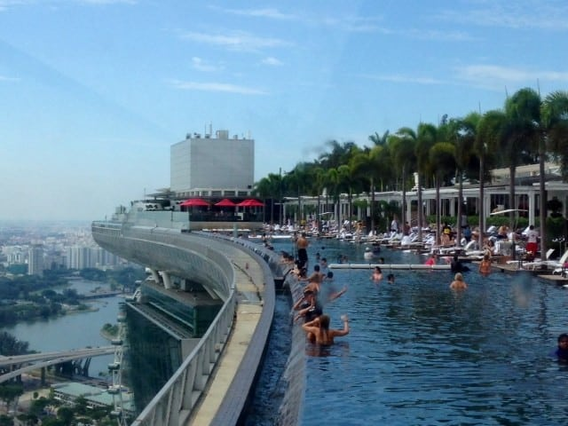 Holidaying at the marina bay sands hotel singapore newinzurich your guide to living in zurich - Marina bay sands resort singapore swimming pool ...