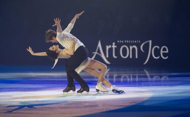 Meryl Davis and Charlie White at Art On Ice 2016