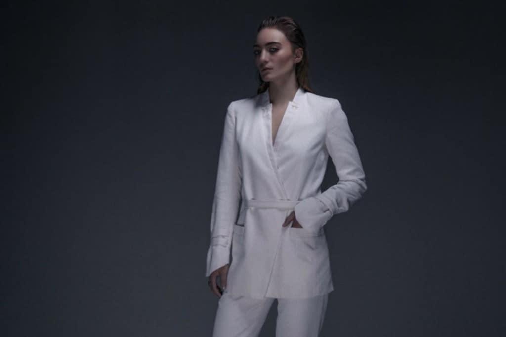 Cool Clothes for Hot Summer Days - studiowinkler