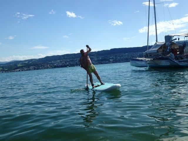 Jobe star up paddleboarding in Zurich