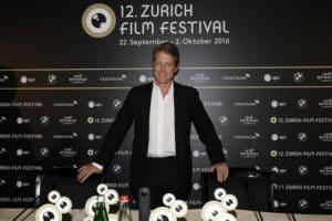 Hugh Grant in Zurich to accept Golden Icon Award
