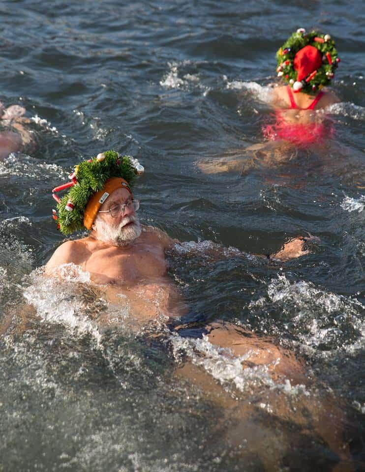 Samichlaus Schwimmen 2016 Zurich