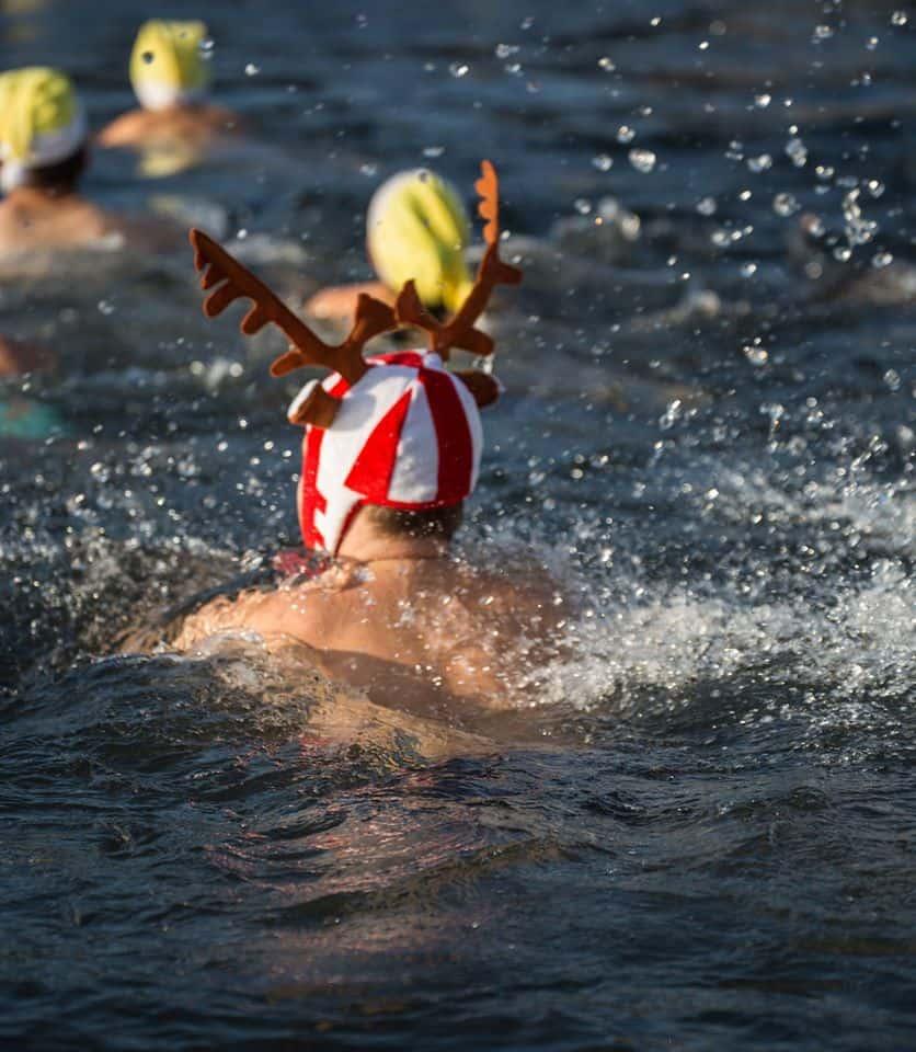 Samichlaus Schwimmen 2016 Zurich Photo Carmen Sirboiu