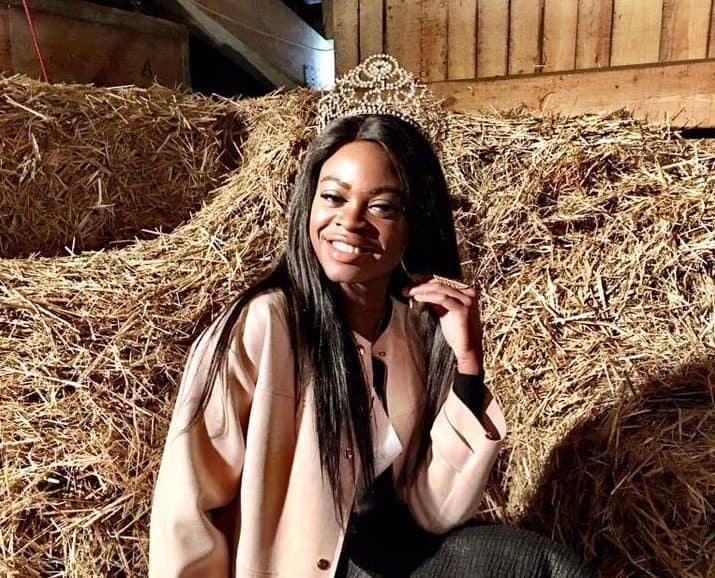 Beauty in the barn - Miss Earth Schweiz Bauer Fritz