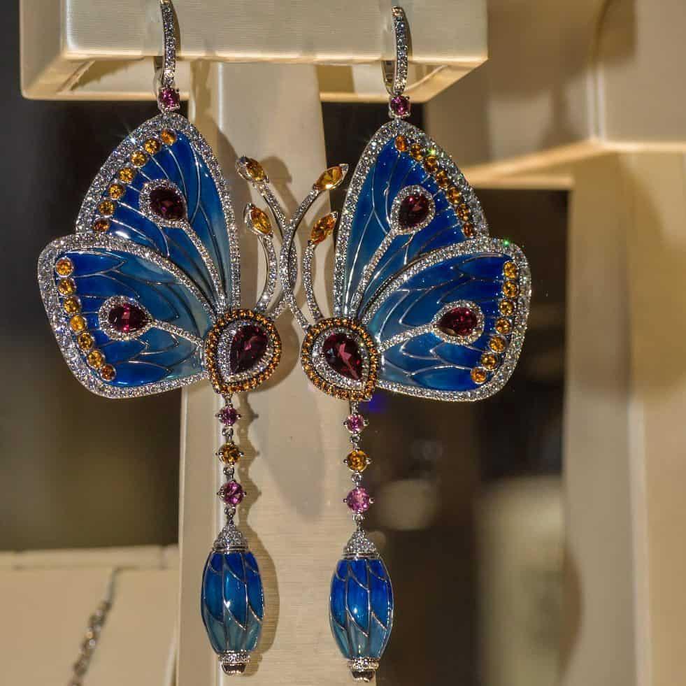 Butterfly earrings at Basel World 2018