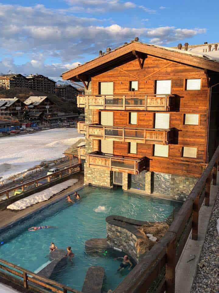 Hotel Nendaz 4 Vallées: Swiss Chalet with Amazing Spa