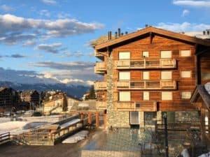 Hotel Nendaz 4 Vallées: Swiss Chalet with Amazing Spa