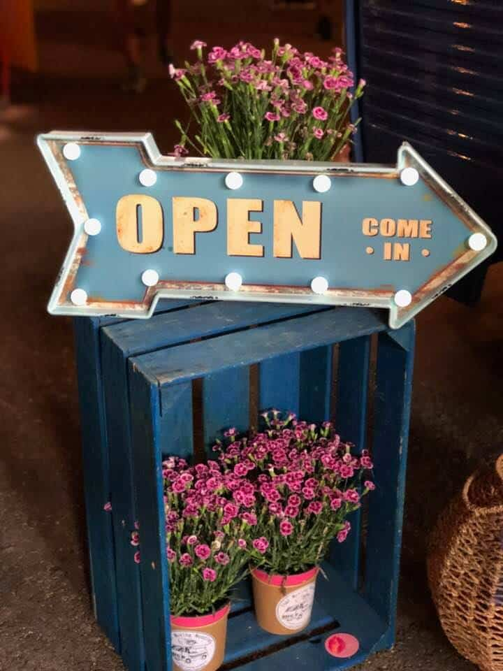 Open sign at Zurich Street Food Festival 2018