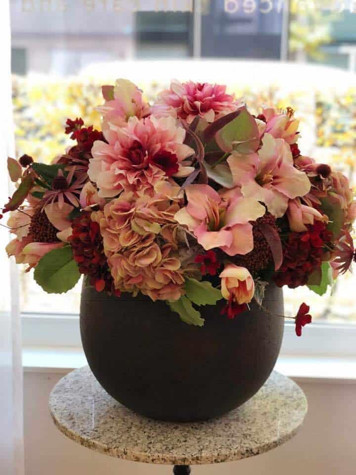 Vase of flowers at Skintherapist Zurich