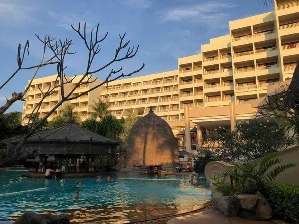 Mövenpick Resort & Spa Karon Beach Phuket Thailand
