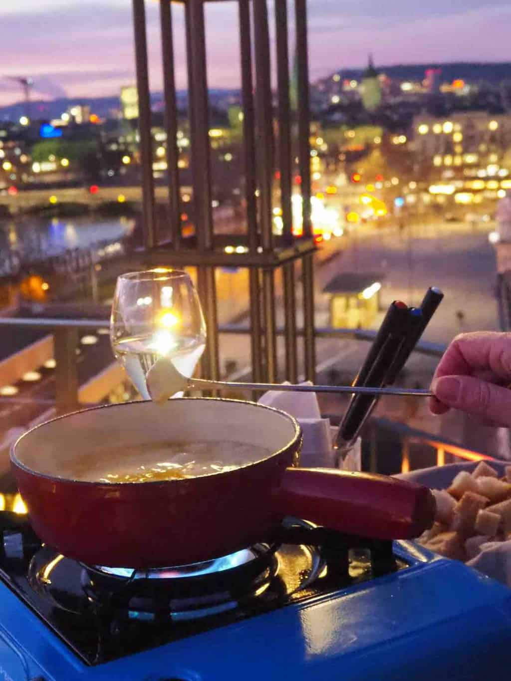 Keeping The Cold Out In Style With Nobis & fondue