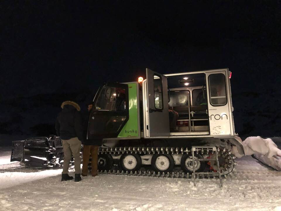 Snow cat to Hotel Chetzeron