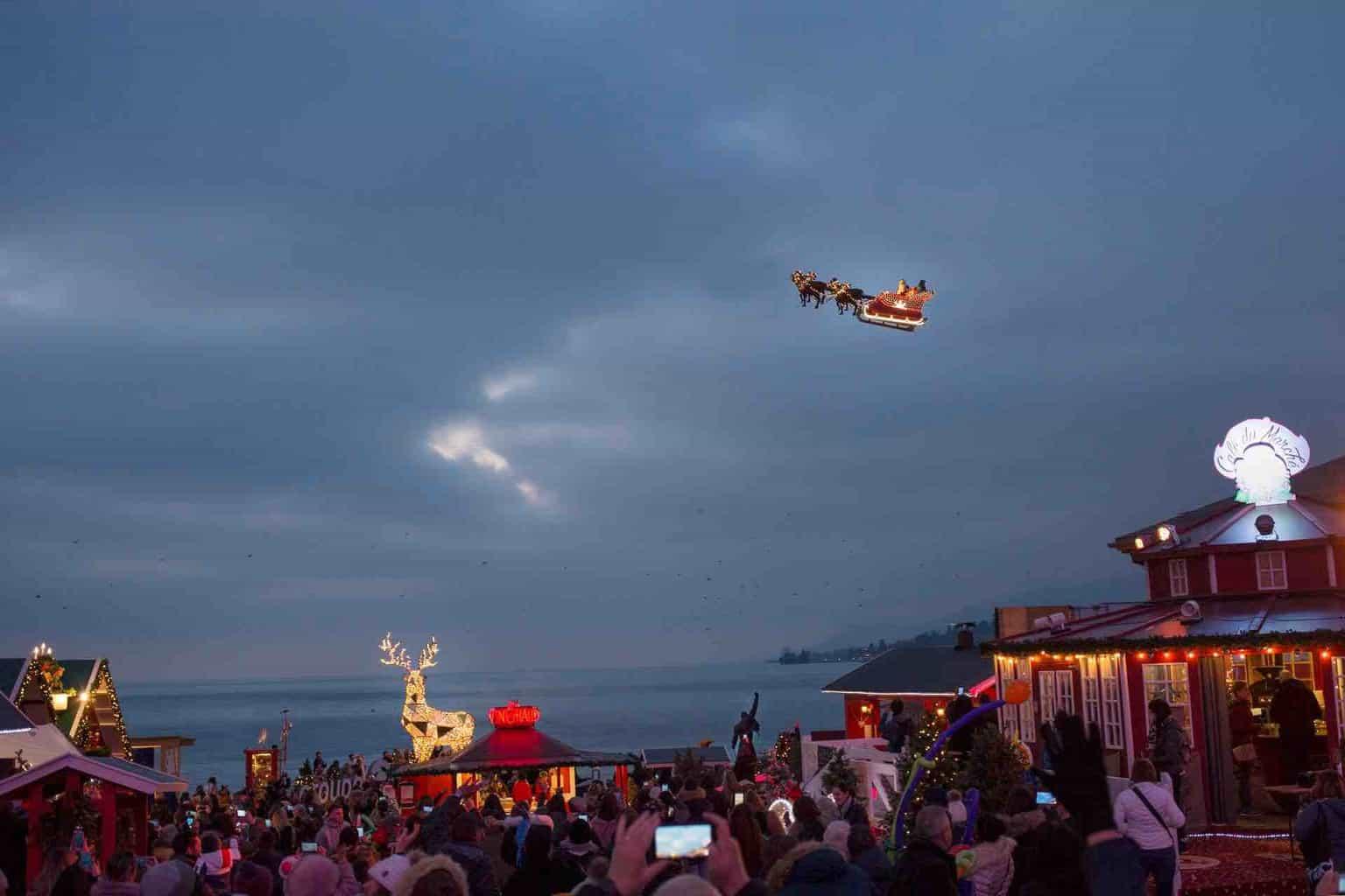 Montreux Noël Santa in the sky