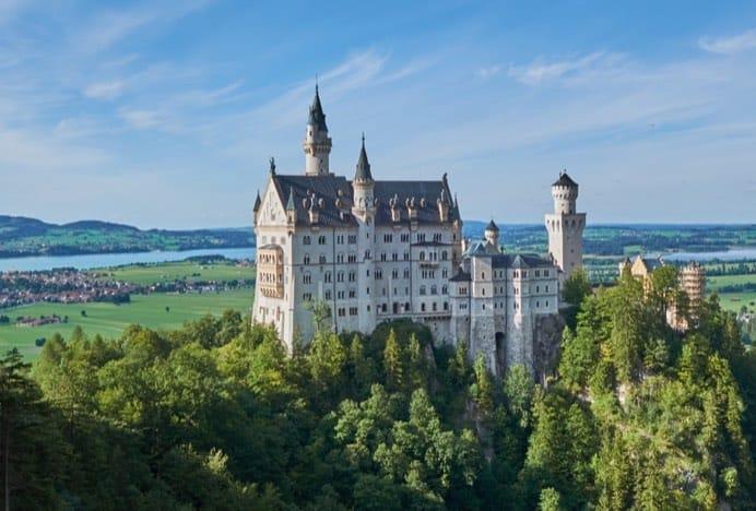 Six and the city Neuschwanstein castle