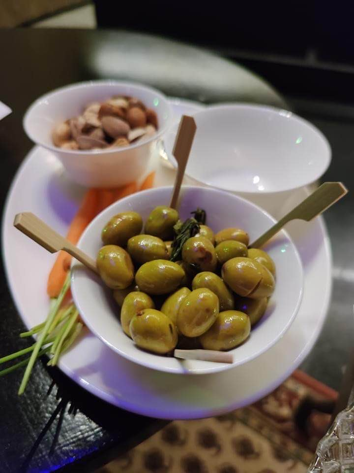 Cold mezze and olives