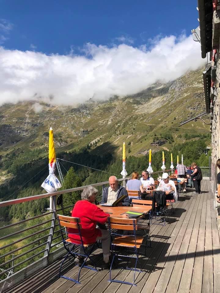 Alp Grüß Restaurant Bernina Express stop