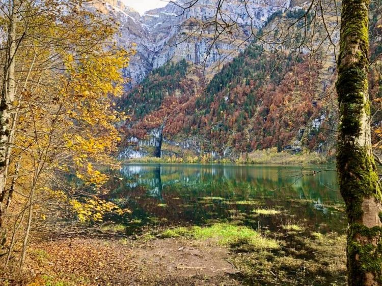 Autumn colours at Klöntalersee
