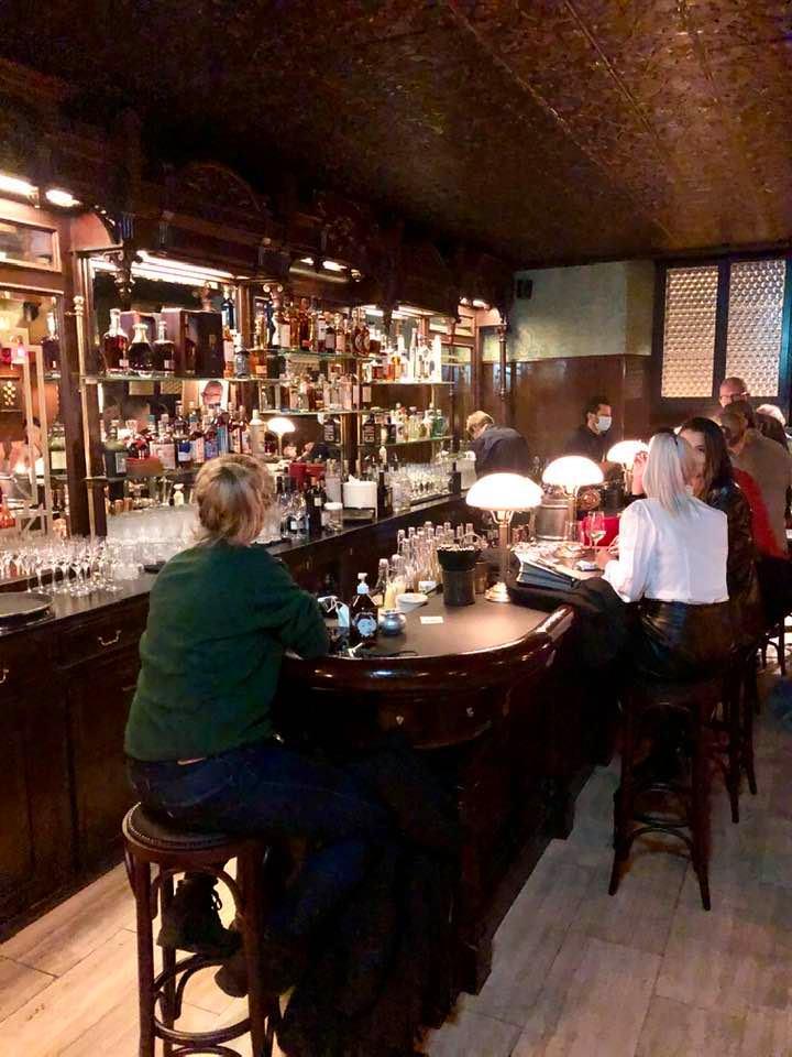 Bar at Restaurant Hafenbeiz By the Lake in Kilchberg