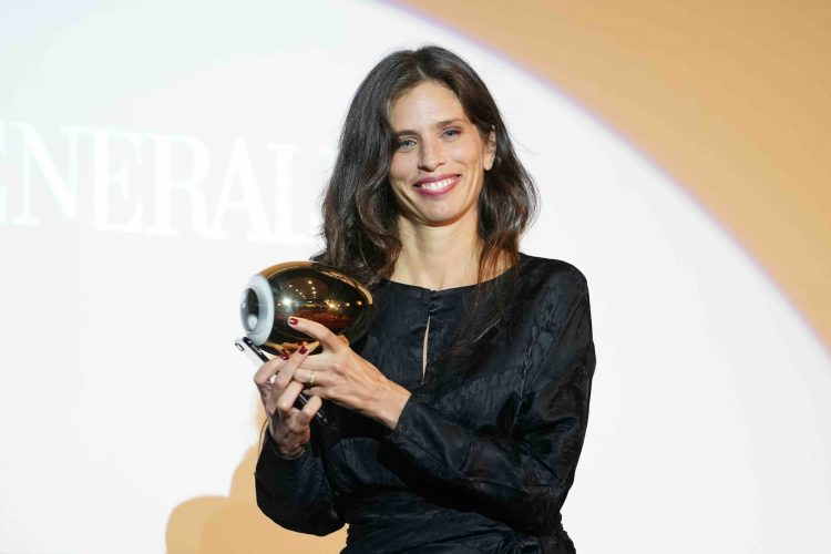 "Maïwenn receives the ""A Tribute To"" Award"