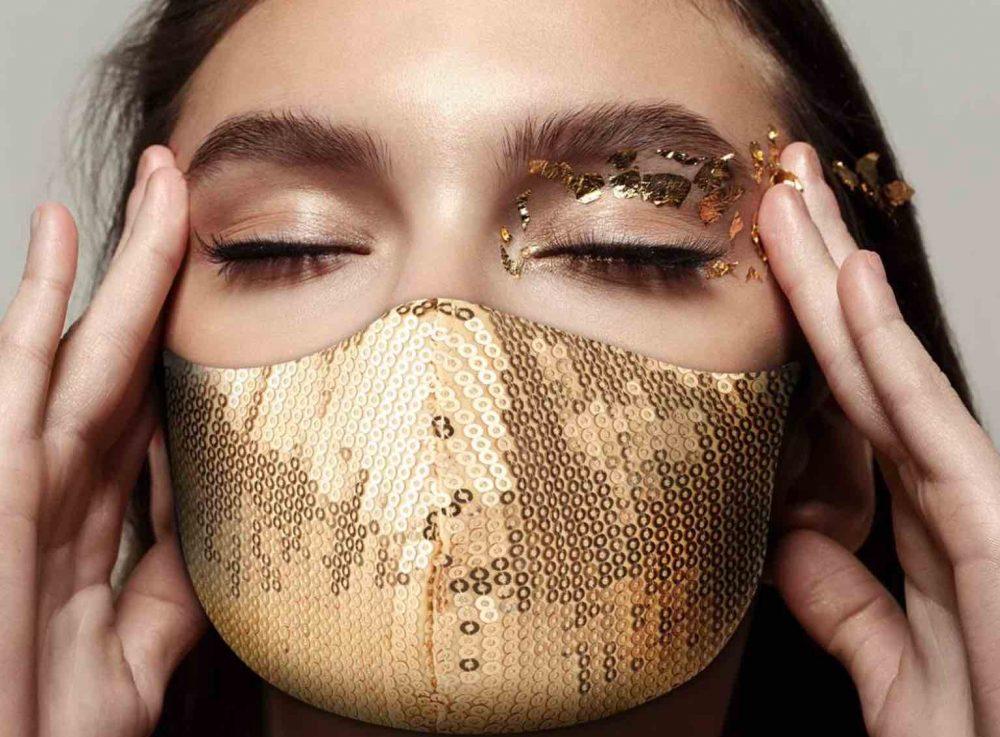 A Glamorous Peggell Facemask