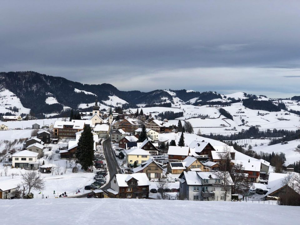 Snowshoeing in Hemberg not far from Zurich