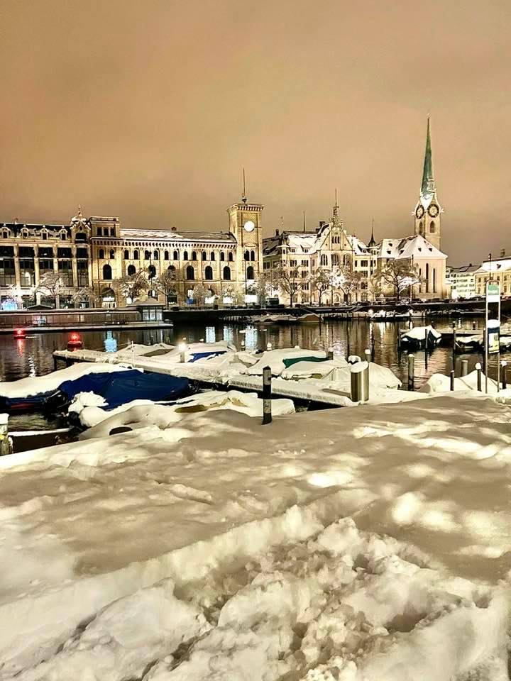 Snow along Limmatquai Zurich