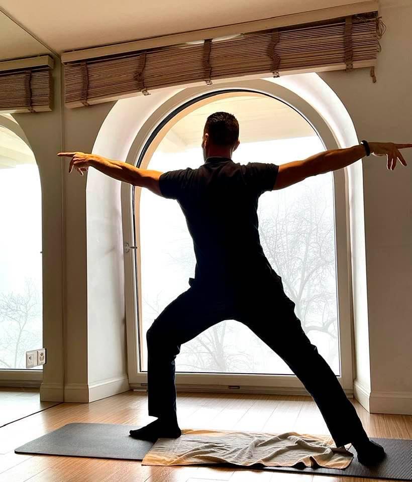 Yoga with Lorenzo at Kurhaus Cademario Lugano